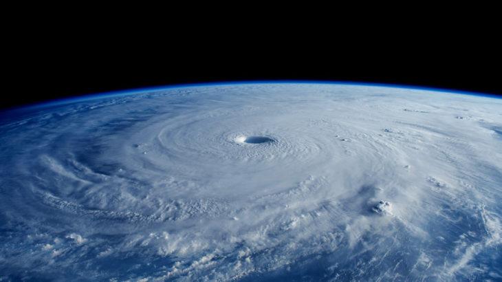 天候とか社会情勢とか、外側のいろいろと内側との関係